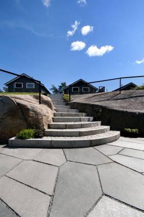 Trapp i granitt.  Foto: Oppdal Sten