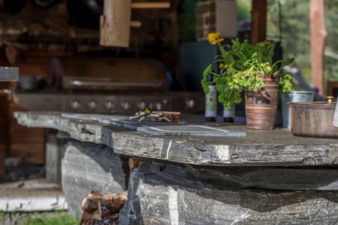 Skifermøbler fra Altaskifer. Foto: Frank Rune Isaksen