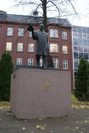 Kongemonumentet i Trondheim. Foto: Nerlands Granittindustri AS