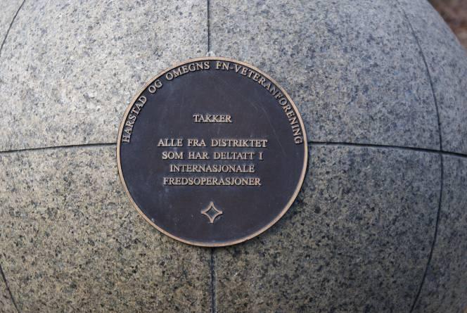 FN monumentet i Harstad. Foto: Nerlands Granittidnsutri AS