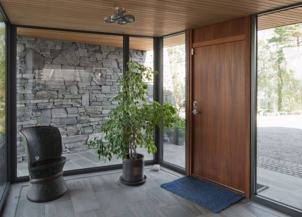 Lys Oppdal på gulv og murstein på vegg fra MINERA SKIFER