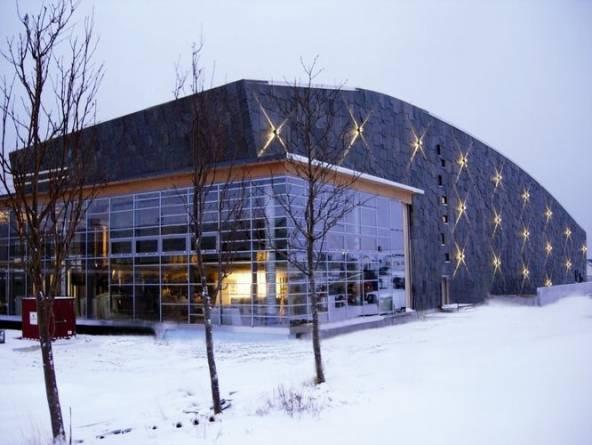 Ottaskifer i fasaden på Ørland kulturhus fra MINERA SKIFER