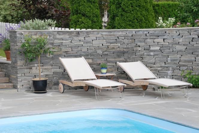 Bruddheller og mur på terrasse. Foto: Dovreskifer